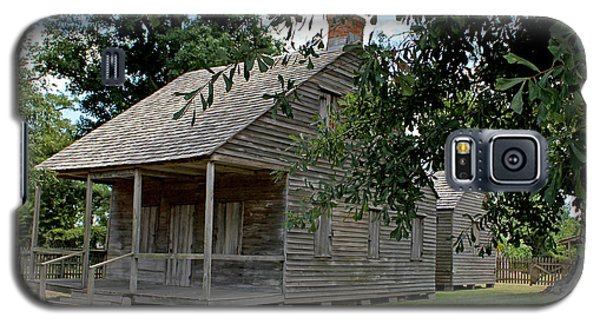 Galaxy S5 Case featuring the photograph Old Cajun Home by Judy Vincent