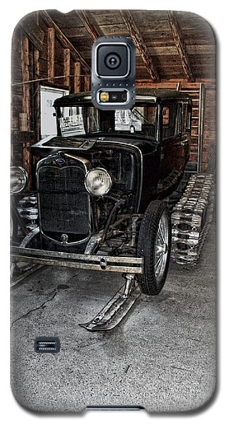 Old Car Snow Ski Galaxy S5 Case by Joanne Coyle