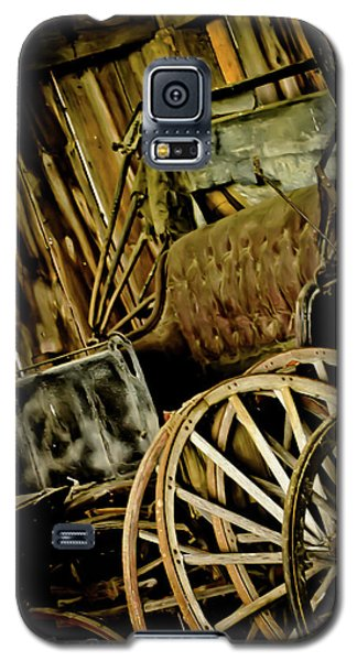 Galaxy S5 Case featuring the photograph Old Carriage by Joann Copeland-Paul