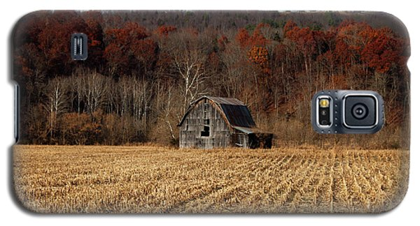 Old Country Barn In Autumn #1 Galaxy S5 Case