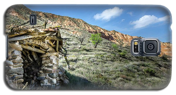 Galaxy S5 Case featuring the photograph Old Country Hovel by RicardMN Photography
