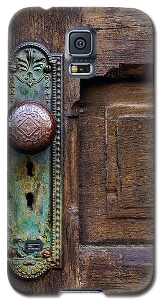 Old Door Knob Galaxy S5 Case by Joanne Coyle