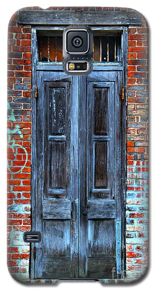 Old Door With Bricks Galaxy S5 Case by Perry Webster