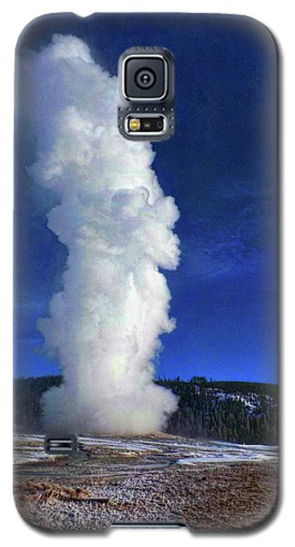 Old Faithful In Winter Galaxy S5 Case