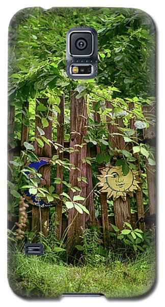 Galaxy S5 Case featuring the photograph Old Garden Gate by Mark Miller