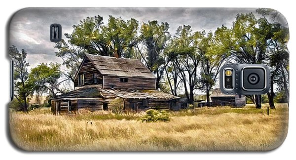 Old House And Barn Galaxy S5 Case by James Steele