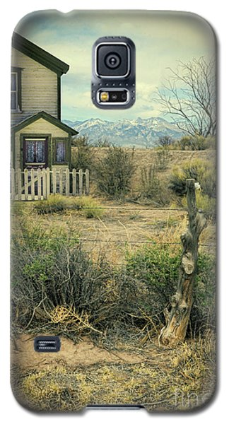 Galaxy S5 Case featuring the photograph Old House Near Mountians by Jill Battaglia