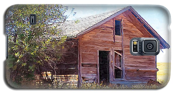 Galaxy S5 Case featuring the photograph Old House by Susan Kinney