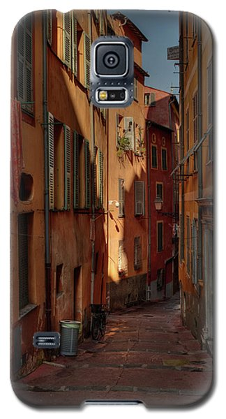 Galaxy S5 Case featuring the photograph Old Nice - Vieille Ville 004 by Lance Vaughn