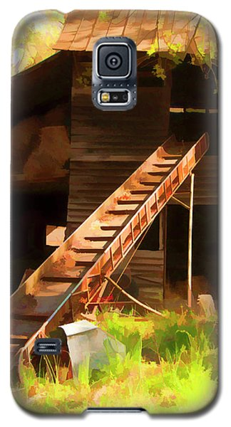 Old North Carolina Barn And Rusty Equipment   Galaxy S5 Case