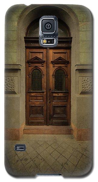 Old Ornamented Wooden Gate In Brown Tones Galaxy S5 Case by Jaroslaw Blaminsky