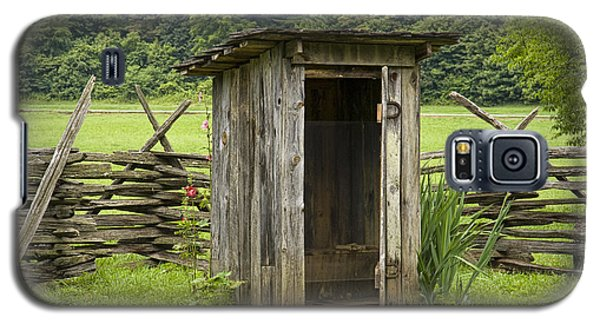 Old Outhouse On A Farm In The Smokey Mountains Galaxy S5 Case