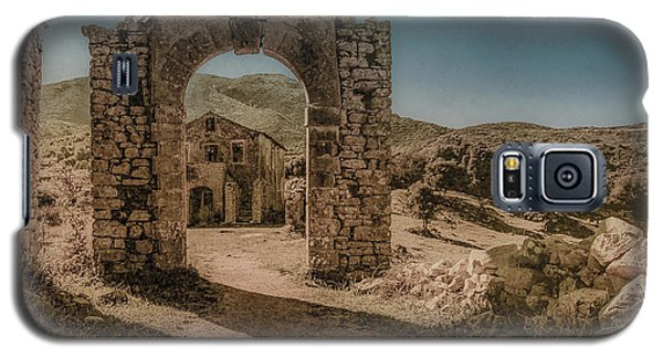 Galaxy S5 Case featuring the photograph Old Perithia, Corfu, Greece - Gate by Mark Forte