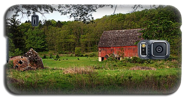 Old Red Barn 2 Galaxy S5 Case