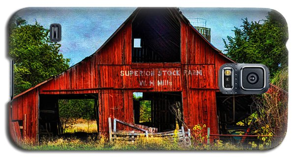 Old Red Barn And Wild Sunflowers Galaxy S5 Case