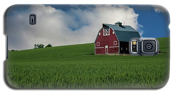 Old Red Barn In The Palouse Galaxy S5 Case by James Hammond