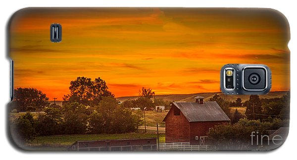 Old Red Barn Galaxy S5 Case by Robert Bales