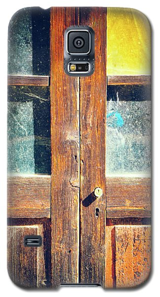 Galaxy S5 Case featuring the photograph Old Rotten Door by Silvia Ganora
