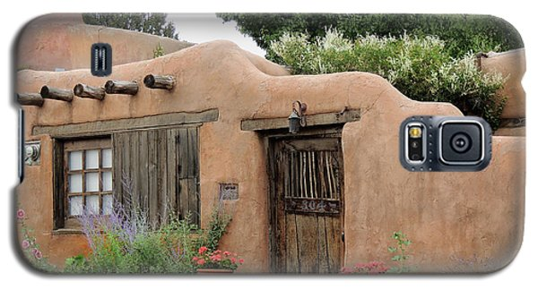 Old Santa Fe Cottage Galaxy S5 Case by Gordon Beck