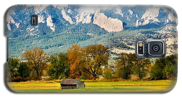 old shed against Flatirons Galaxy S5 Case