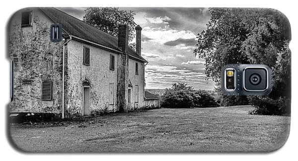 Old Stone House Black And White Galaxy S5 Case