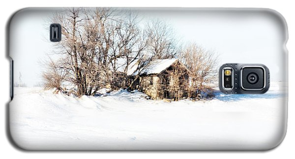 Galaxy S5 Case featuring the photograph Old  Stone House Milford by Julie Hamilton