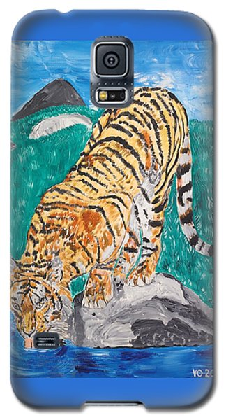 Old Tiger Drinking Galaxy S5 Case by Valerie Ornstein