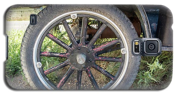 Old Truck Tire In Rural Rocky Mountain Town Galaxy S5 Case