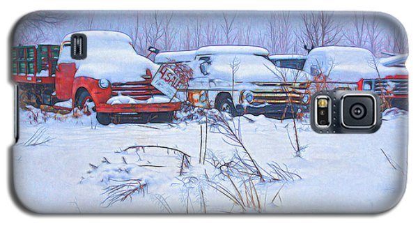 Old Trucks In Snow Galaxy S5 Case