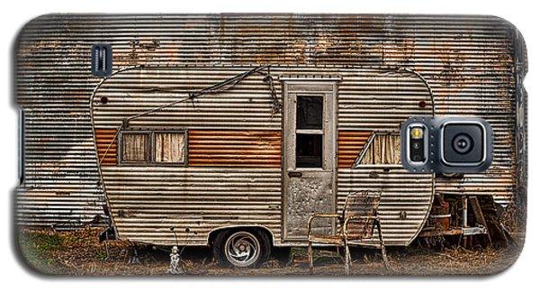 Old Vintage Rv Camper In The Mississippi Delta Galaxy S5 Case