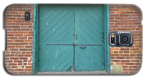 Old Warehouse Loading Door And Brick Wall Galaxy S5 Case