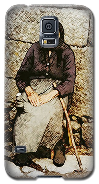 Old Woman Of Spain Galaxy S5 Case by Kenneth De Tore