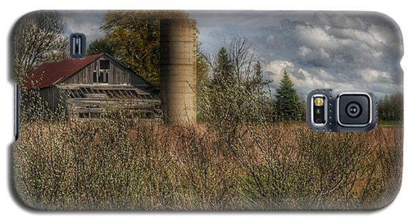 0034 - Old Wooden Barn And Silo Galaxy S5 Case