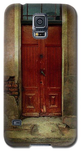 Old Wooden Gate Painted In Red  Galaxy S5 Case by Jaroslaw Blaminsky