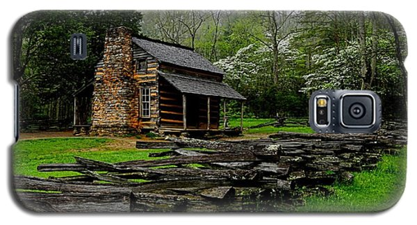 Oliver's Cabin Among The Dogwood Of The Great Smoky Mountains National Park Galaxy S5 Case