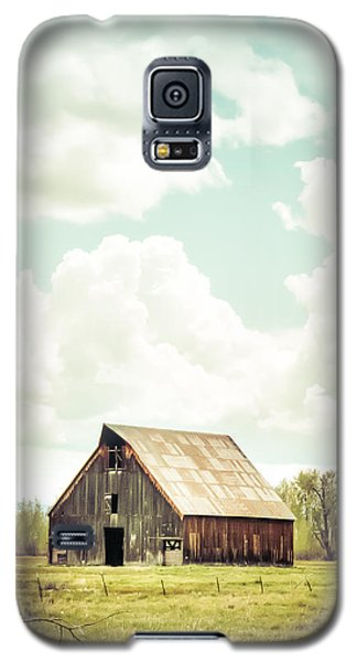 Olsen Barn In Green Galaxy S5 Case