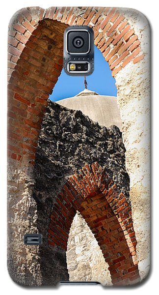 Galaxy S5 Case featuring the photograph On A Mission by Debbie Karnes