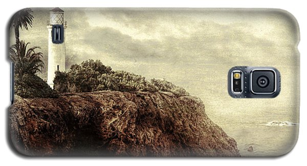 Galaxy S5 Case featuring the photograph On The Edge by Douglas MooreZart