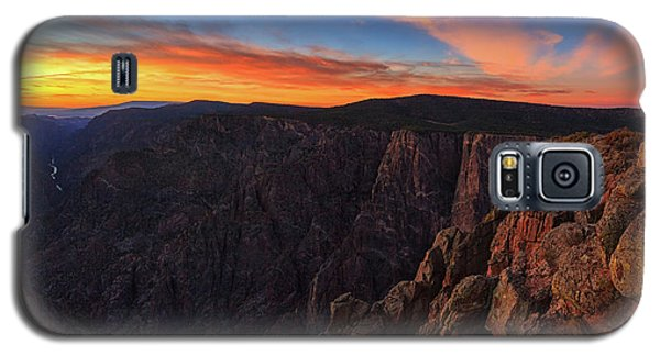 On The Edge Galaxy S5 Case