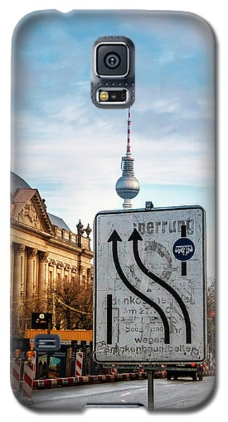 On The Road In Berlin Galaxy S5 Case