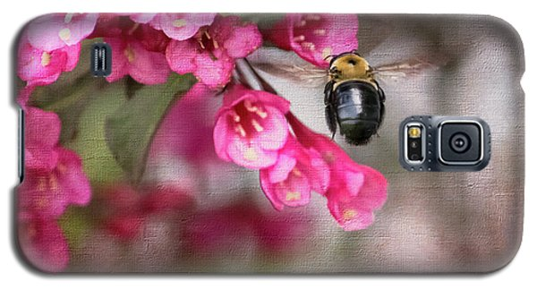On Wine And Roses Weigela - 2 Galaxy S5 Case