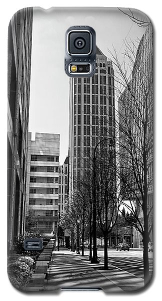 One Atlantic Center In Black And White Galaxy S5 Case