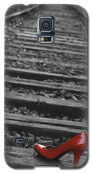Galaxy S5 Case featuring the photograph One Red Shoe by Patrice Zinck