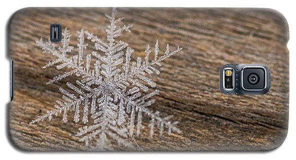 Galaxy S5 Case featuring the photograph One Snowflake by Ana V Ramirez