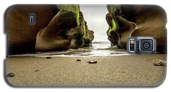 Galaxy S5 Case featuring the photograph Only At Low Tide by Ryan Weddle