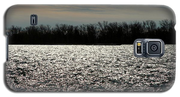 Galaxy S5 Case featuring the photograph Ontario Winter Reflections by Valentino Visentini