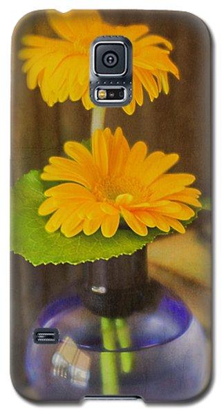 Orange Flowers Blue Vase Galaxy S5 Case