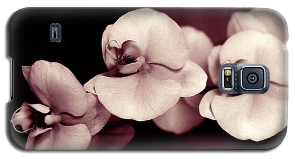 Galaxy S5 Case featuring the photograph Orchids Hawaii by Mukta Gupta