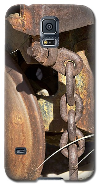 Galaxy S5 Case featuring the photograph Ore Car Chain by Phyllis Denton