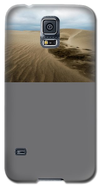 Galaxy S5 Case featuring the photograph Oregon Dune Wasteland 1 by Ryan Manuel